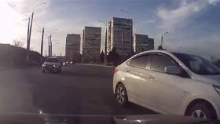Опасная ДТП ситуация. Севастополь, проспект Октябрьской Революции