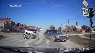 Бабы за рулем, приколы на дорогах 2018