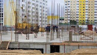 Наталья Комарова проинспектировала строительство школы-детского сада в Сургуте