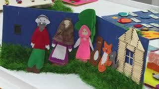 06 09 18 Студенты из Глазова сшили 20 тактильных книг для детей с инвалидностью