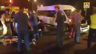 В Чебоксарах произошло серьезное ДТП с микроавтобусом