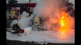 Под Киевом из-за ДТП сгорел Volkswagen: пострадала беременная женщина