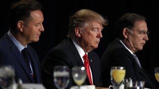 О чем говорили участники молитвенного завтрака Трампа