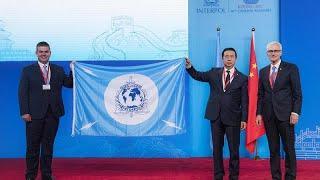 Интерпол запросил у Китая разъяснений о судьбе своего главы — Euronews…