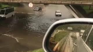 В Кисловодске затопило улицы и пункт досмотра железнодорожного вокзала