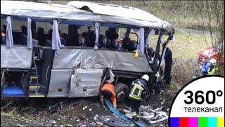 В КНДР упал автобус с моста, погибли более 30 человек