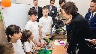 Умная зубная щётка, умная дверь: юные изобретатели Югры представили разработки для детей-инвалидов