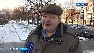 Лед на дорогах Петрозаводска чистят и посыпают