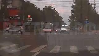 В Череповце ВАЗ протаранил автомобиль «скорой»