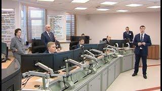 Губернатору Югры показали центр, который может управлять сразу двумя тысячами скважин