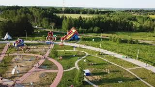 На «Живом воздухе» гостей развлекают полетами квадрокоптеров и парадом кукол