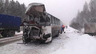 136 аварий за день: итоги снегопада на Среднем Урале
