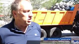 Городские службы Симферополя приводят в порядок пр. Победы