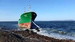 Сильный ветер вынес судно из КНДР на мель в Приморье. 2