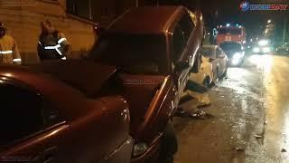 Donday. В Новочеркасске невнимательный водитель ВАЗ устроил ДТП из шести машин