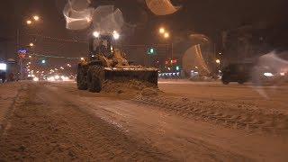 UTV. Власти Уфы показали как борются со снегом. Объявлен повышенный режим работы