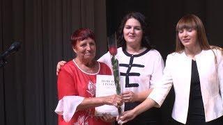 В Волгограде депутат Госдумы в преддверии Дня знаний назвала почетных работников образования РФ