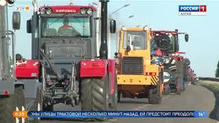 Тяжёлая сельхозтехника затруднит движение на Павловском тракте в Барнауле