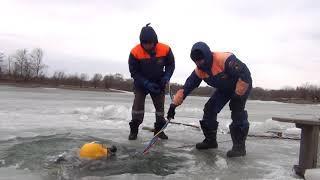 водолазы ДВРПСО на озере Хака апрель 2018