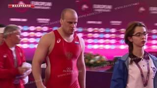 Стали известны первые полуфиналисты ЧЕ среди борцов-классиков
