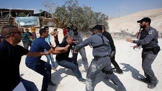 Западный берег: протесты против сноса деревни