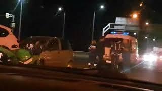 Очевидцы сняли на видео столкновение авто и мотоцикла на выезде из Ставрополя