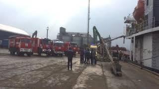 В Ростове на сухогрузе VOLGA-4004 произошел хлопок, есть пострадавший