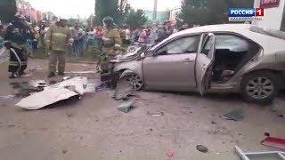 Страшная авария в Уфе: иномарка влетела в торговый павильон