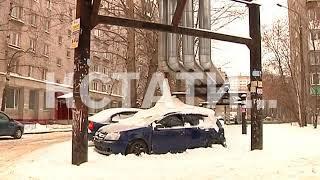 Лед внутри и снаружи - автомобиль превратился в ледяную глыбу.