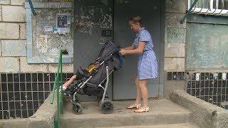 Жительнице Волгограда отказывают в установке пандуса