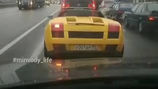 Lamborghini с открытым верхом рассекает по Минводам