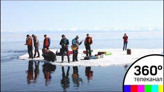 Более 40 рыбаков спасли с отколовшейся льдины на Сахалине