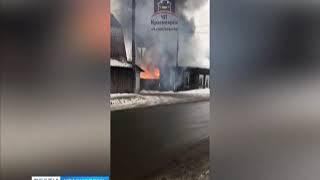 В микрорайоне Покровский загорелся частный дом