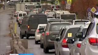Красноярск встал в многокилометровые пробки
