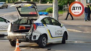 ДТП в Киеве на Победы: патрульный Приус И Ауди