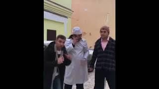 В Твери глыба льда упала на актера Тараса Кузьмина