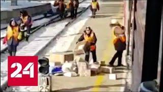 """""""Почта России"""" поставила рекорд по скоростной разгрузке посылок - Россия 24"""