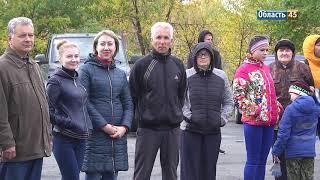 Политики и силовики Курганской области вышли на субботник