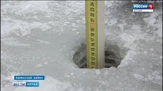 На алтайских реках начались замеры льда для организации переправ