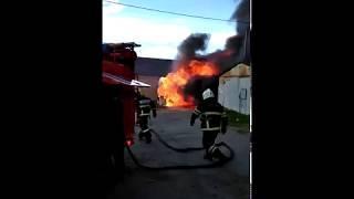 Nord-News: 8 пожарных потушили гаражи в мурманском автогородке
