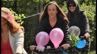 Леди на велосипеде. В Челябинске прошел экстремальный заезд на шпильках