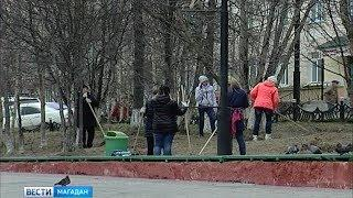 Уборка улиц вместо кабинетной работы – на субботник вышли сотрудники мэрии