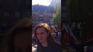 Протестующие пускают самолётики, протестуя блокировки Телеграма