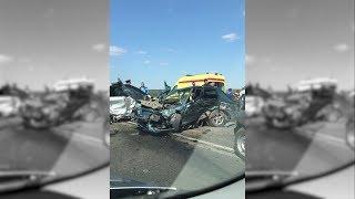 Пять человек пострадали в тройном ДТП на севере Волгограда