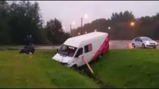 В Санкт Петербурге микроавтобус с кыргызстанцами попал в