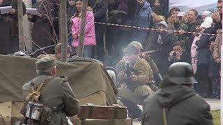 Исторические клубы провели реконструкцию боев на улицах Краснодара