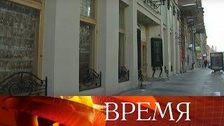 Яхта для прогулок по Неве вместо реконструкции Малого драматического театра в Петербурге.