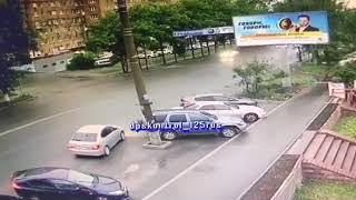 Кто виноват: Во Владивостоке неожиданное ДТП обсуждают в Сети