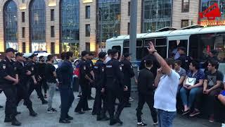 Хаос на Никольской в Москве после матча Россия-Испания