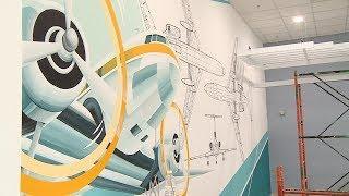 Художники завершают оформление нового терминала волгоградского аэропорта
